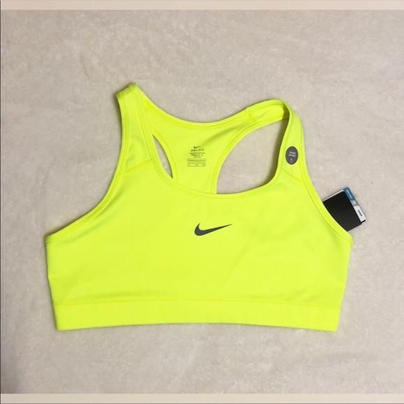d8f86a8df5527 NEW Neon yellow Nike Sports Bra ❌NWT❌ NWT